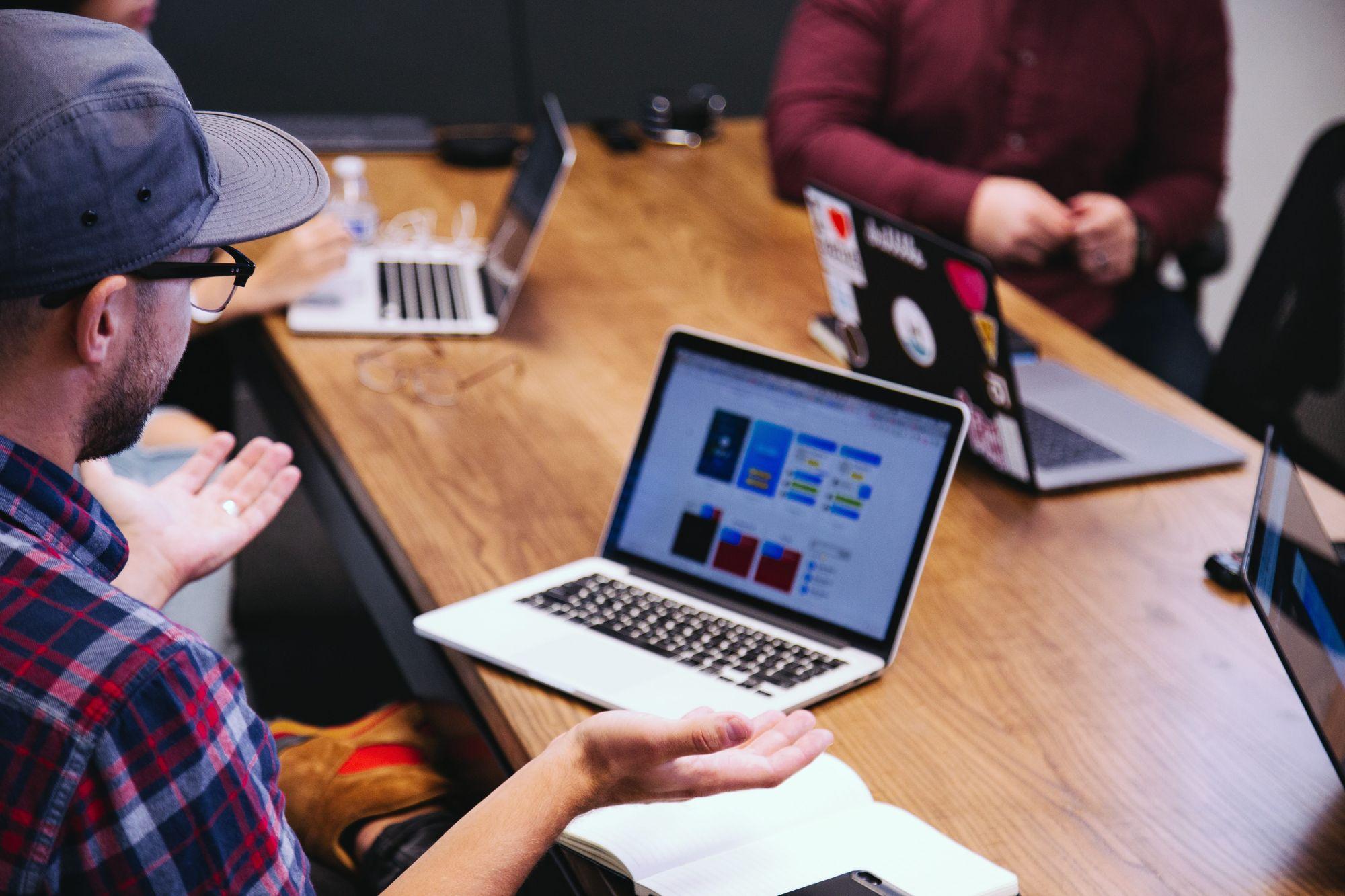 Méthode QQOQCP : les bonnes questions pour la découverte des besoins clients