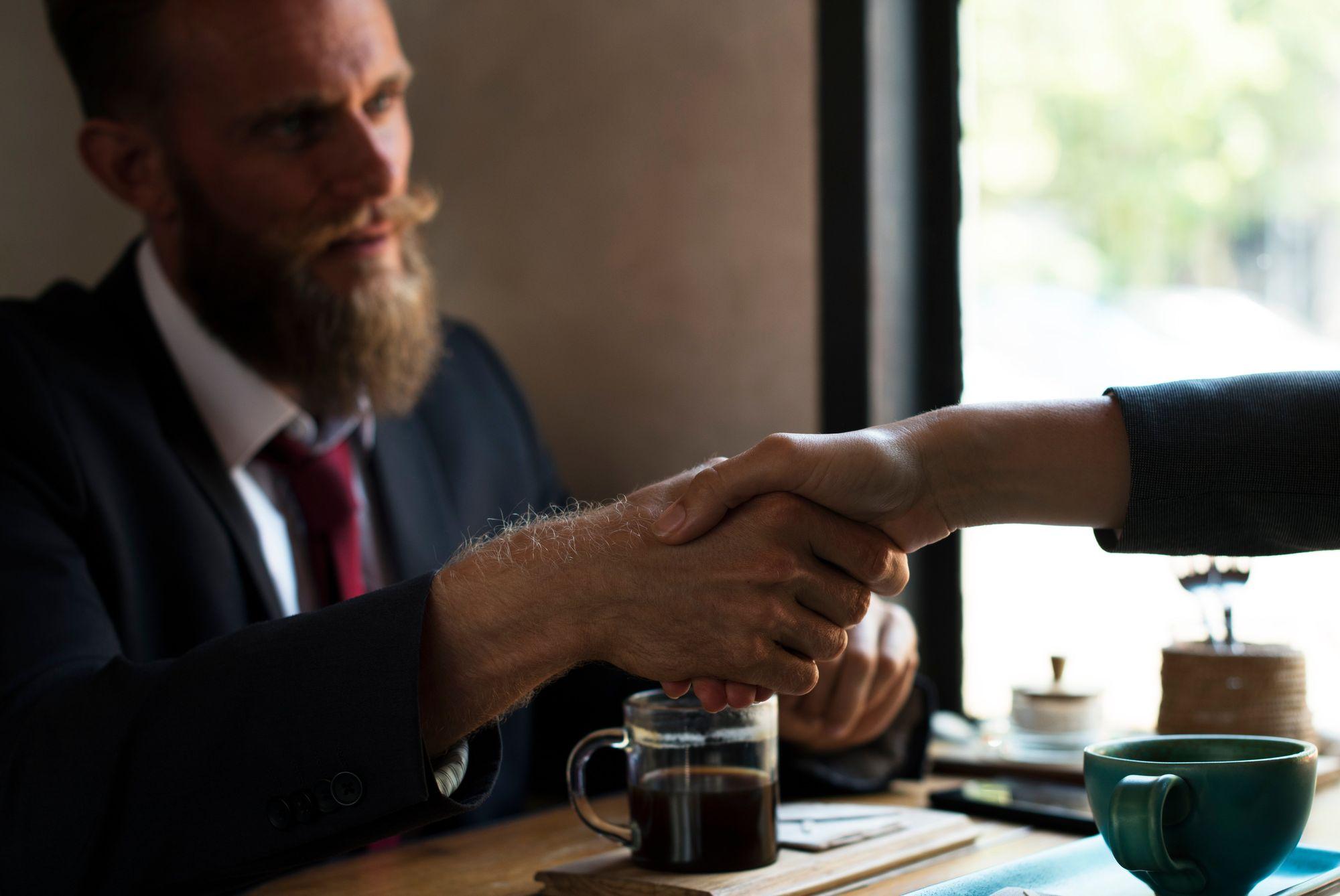 7 techniques de closing pour conclure la vente plus vite et plus souvent