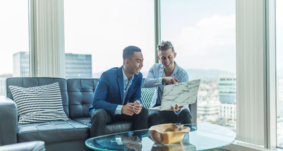 Elevator pitch commercial : devenez un pro pour accrocher vos prospects