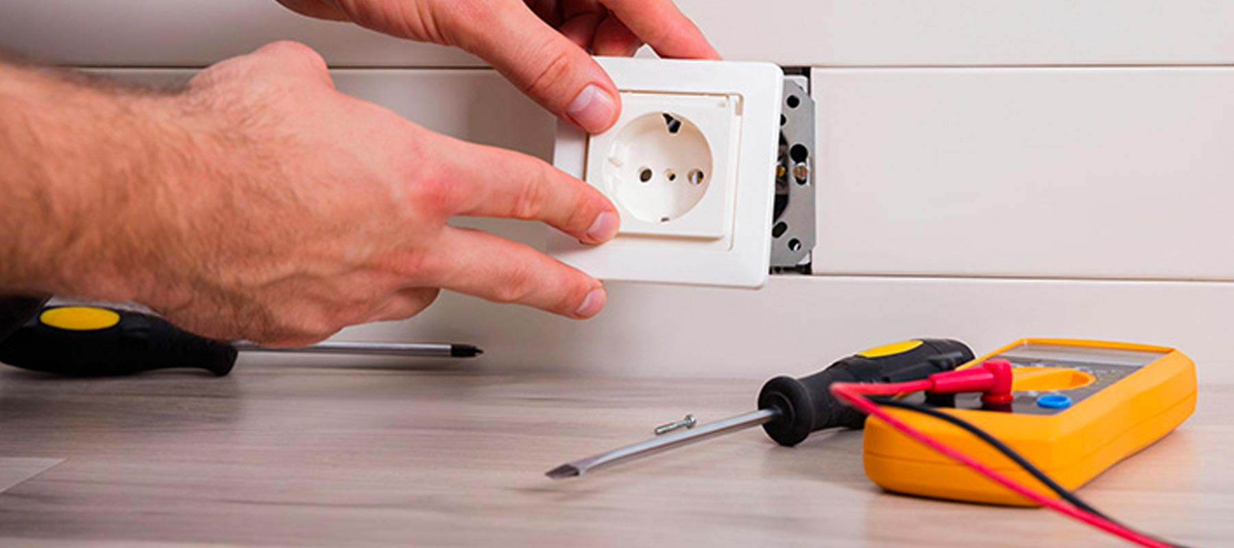 Residential Electrical Services Woodland Hills | US Electrical