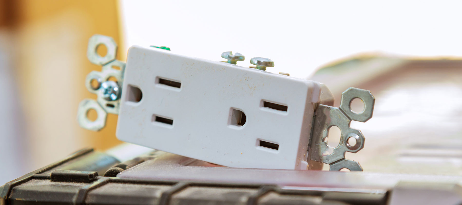 Issues That Need Good Electrical Outlet Installation   US Electrical
