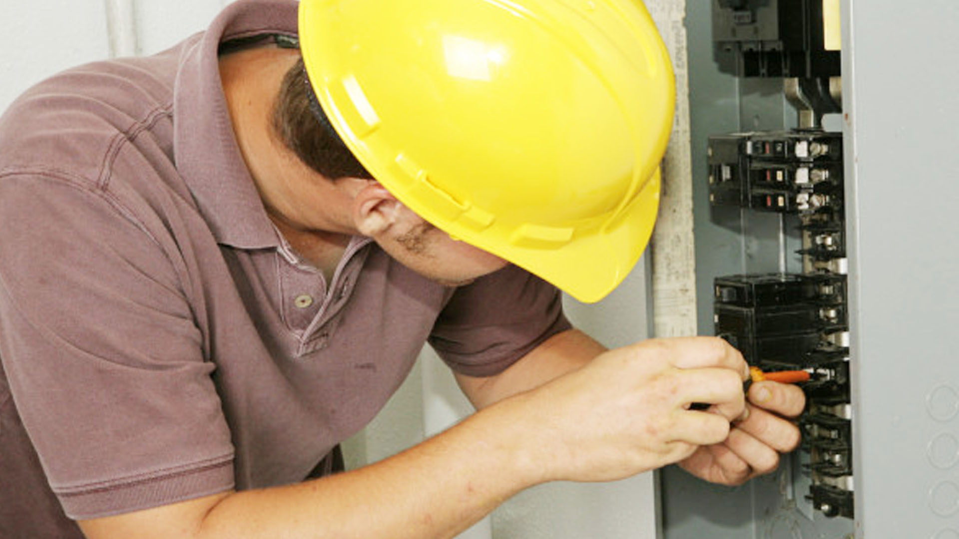 Reasons Why You Wanna Upgrade The Electrical Panel