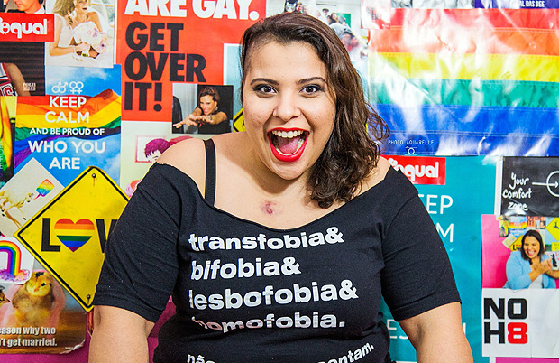 Jéssica Tauane, lesbian youtuber from Canal das Bee