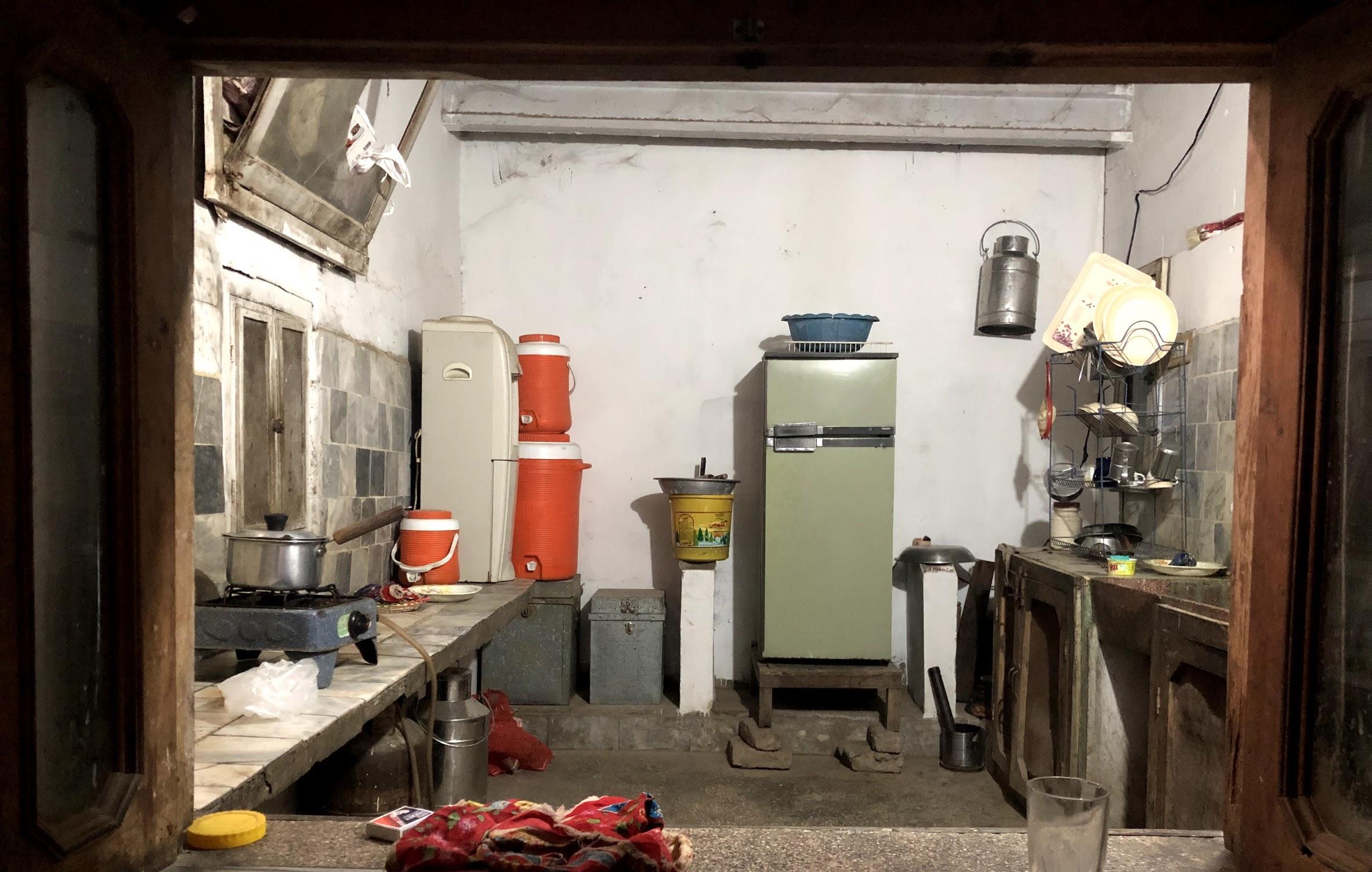 A village landlord's home kitchen in Khudian Khas (Pakistan)