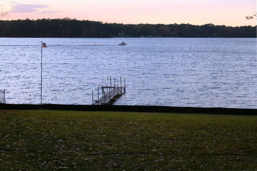Gorgeous Long Lake Cottage For Rent Close To Traverse City