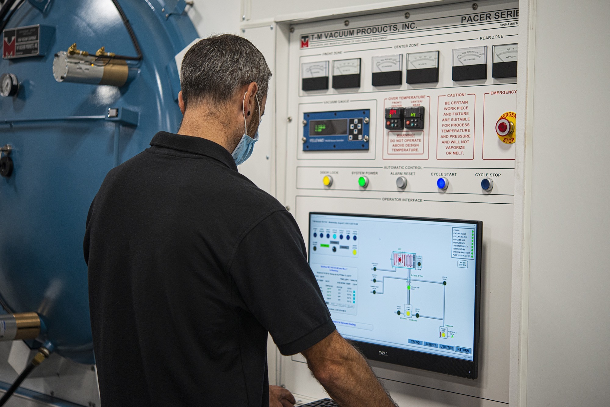 Vacu Braze employee reviewing screen