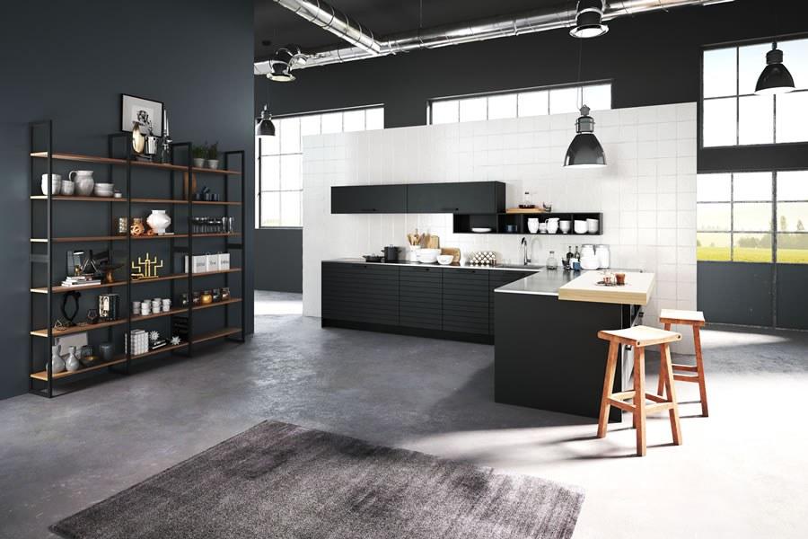 Keuken midden in woonkamer