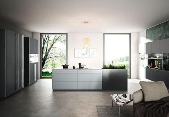 Keukeneiland met hoge kastenwand - Van Geloof Keukens