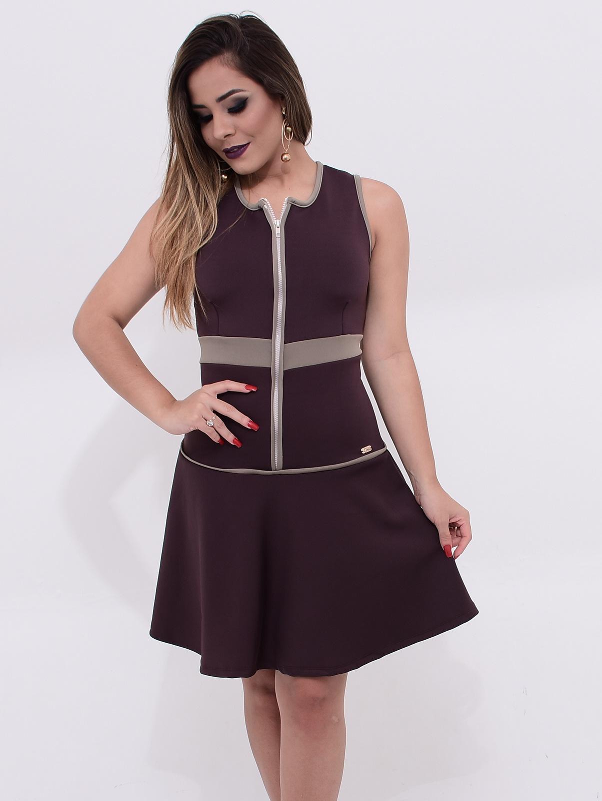 vestido marrom de neoprene