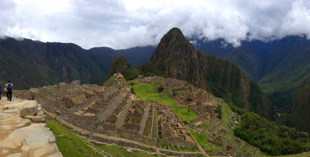 hiking the machu picchu
