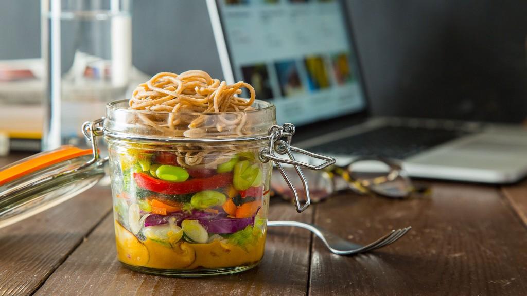 Sesame Soba Noodle Salad in a Jar