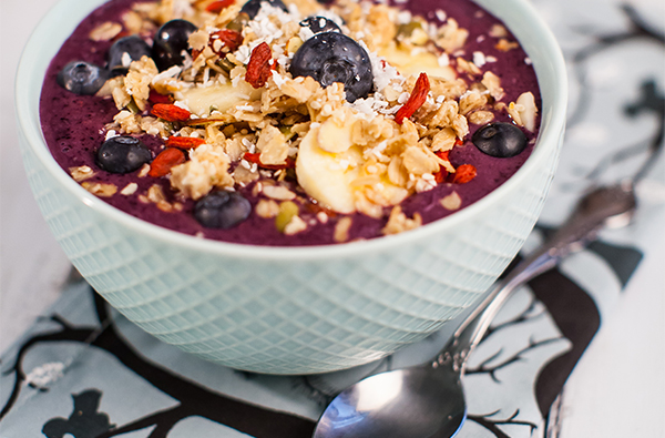 Superfood Breakfast Acai Bowl