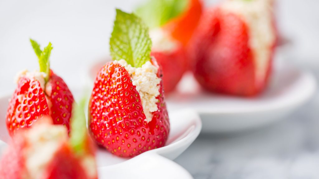 vegan ricotta stuffed strawberries