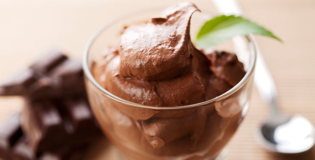 Vegan avocado chocolate pudding