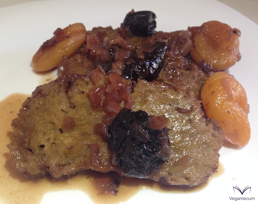 Seitan with dried apricots and prunes finished