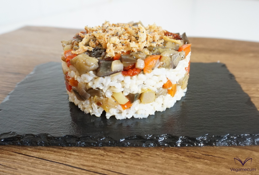 Timbale of brown rice and vegetables ready!
