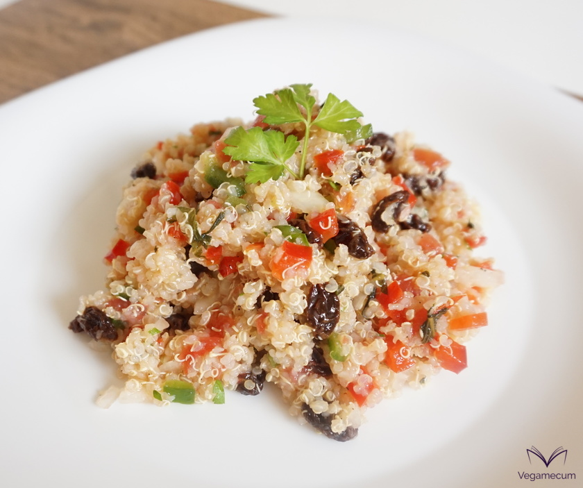 Oriental quinoa taboulé with raisins
