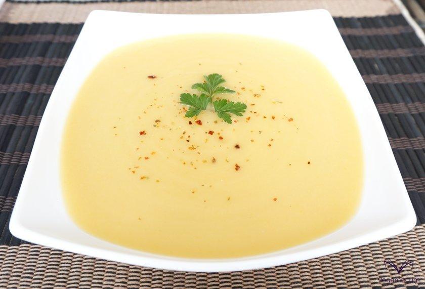 Crema de calabacín, patata, zanahoria y puerro lista