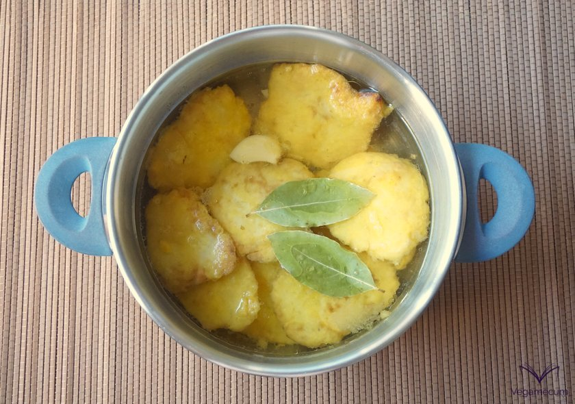 Pickled potatoes taking flavor