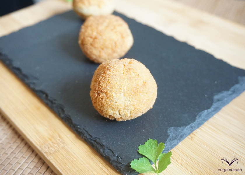 Seitan and pine nut croquettes