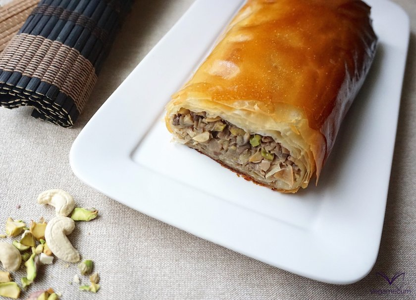 Mushroom and dried fruit strudel finished