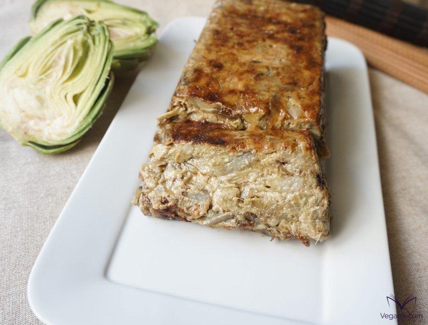 Vegan artichoke cake detail