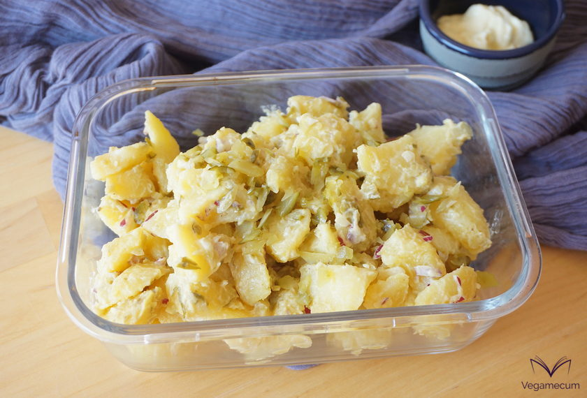 Kartoffelsalat or vegan potato salad