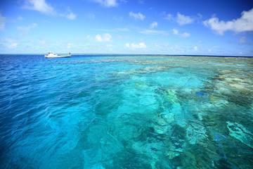 SNSで話題!日本最大級のサンゴ礁「八重干瀬」を楽しむ3つの方法
