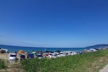 夏はやっぱり海辺キャンプ!楽しむためのコツや注意点