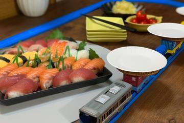 一度はやってみたかった!「プラレール回転寿司」やり方のポイントを徹底レビュー