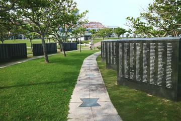 ひめゆりの塔とは?沖縄地上戦の歴史を学べる観光スポット