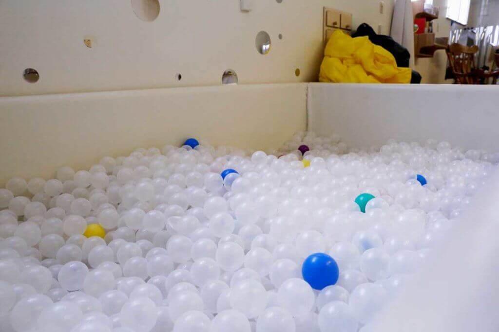 sensory room ball pit
