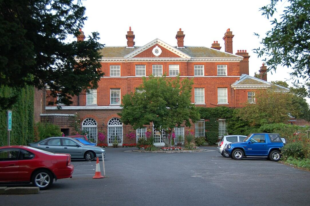 Bed and breakfast in Thames Ditton