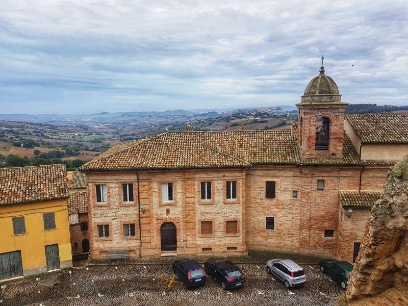 Piazza del Comune di Offagna - Vista dalla Rocca