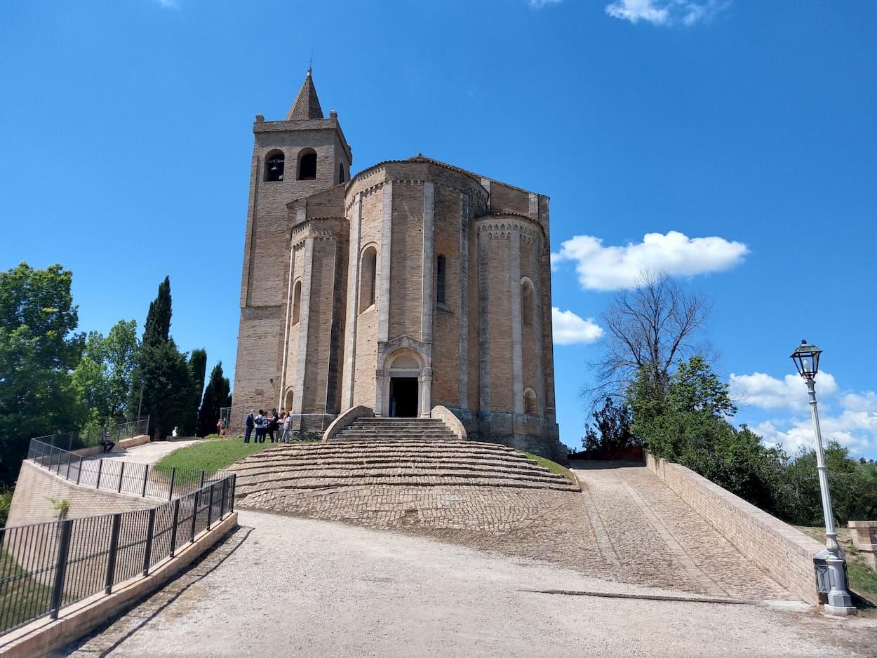 Offida, immagine in evidenza (Santa Maria della Rocca)