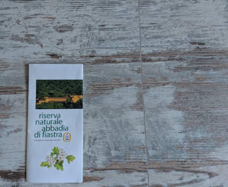 Brochure della Riserva Naturale Abbadia di Fiastra