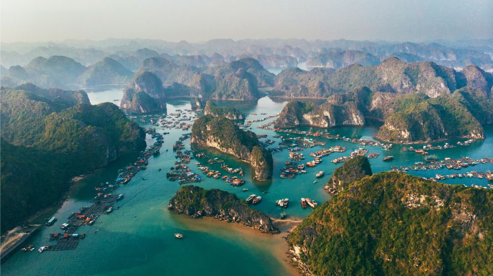 Why You Should Splurge on a Halong Bay Cruise While in Vietnam