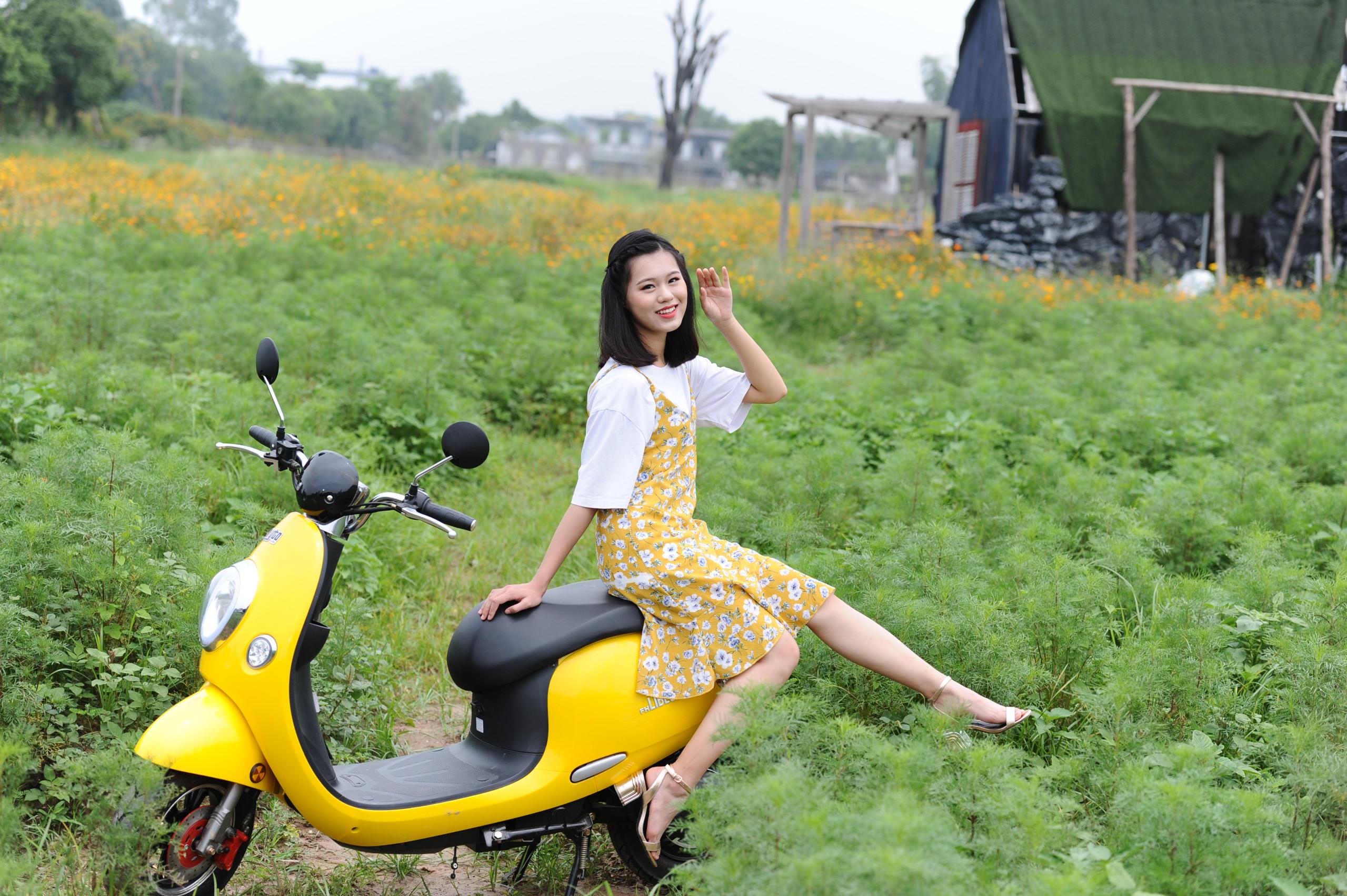 Xe máy điện Libecta được rất nhiều bạn nữ trẻ yêu thích