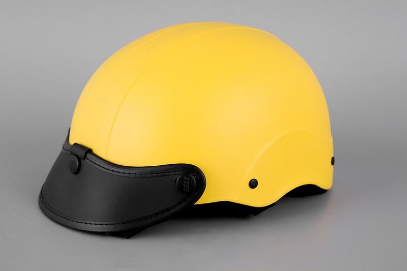 Những chiếc mũ bảo hiểm đảm bảo an toàn cho người điều khiển và ngồi sau xe máy điện VinFast Impes