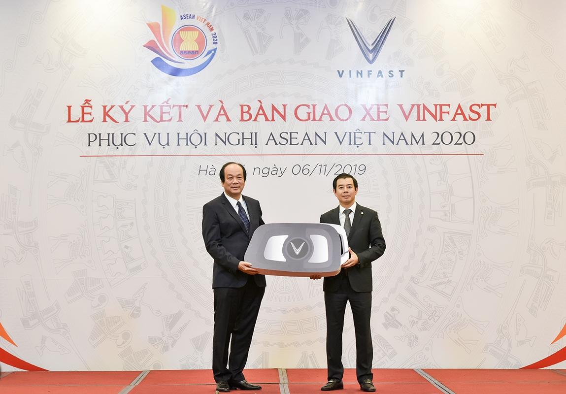 Hinh anh Hanh trinh 2019 cua VinFast: 365 ngay hien thuc hoa nhung dieu khong the