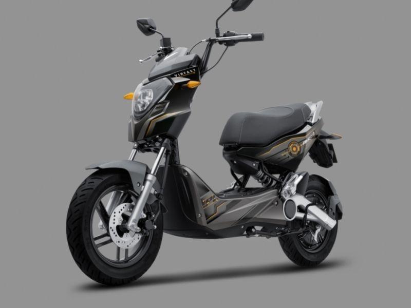 Xe máy điện VinFast Impes có thể đi được bao nhiêu km sau khi sạc?