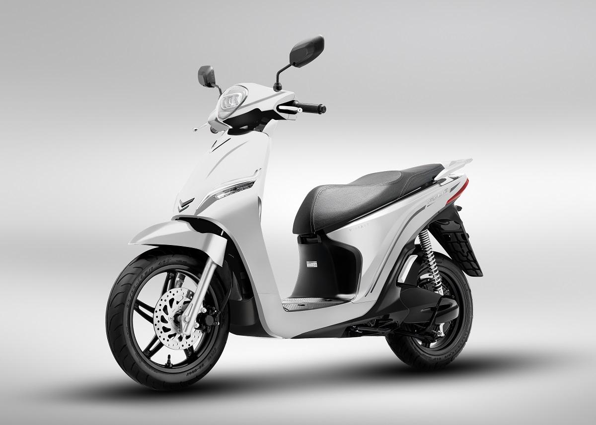 Xe máy điện VinFast Theon màu trắng tinh tế