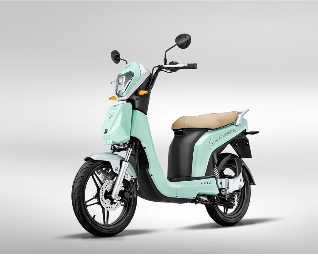 Xe máy điện VinFast Ludo màu xanh phiên bản giới hạn