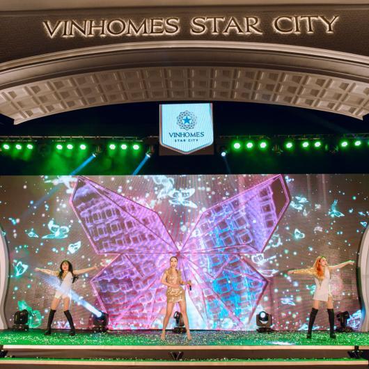 Sự kiện khai trương Cổng chào Victoria và Quảng trường Ánh Sáng