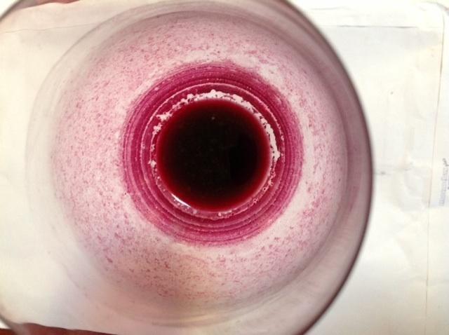 Saveltest rött glas uppifrån