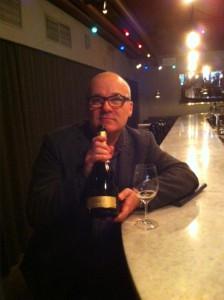Frabçois Gagnet från Champagne H.Blin visar upp ett vin som kommer till Sverige först längre fram i år. Tidernas första 100 % pinot meunier 0 dosage 2009. Prova hans läckra 04:a i väntan på mer.