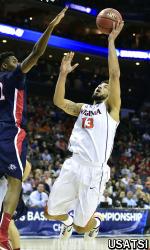 Virginia Cavaliers forward Anthony Gill (13) shoots the ball