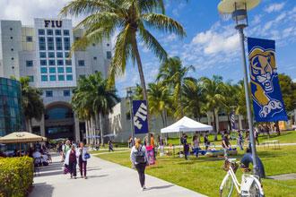 Cursos de inglés de FIU se realizan en el campus principal en el Doral en Miami