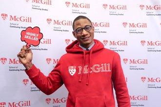 Estudiante internacional McGill diplomado