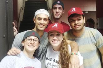 Estudiantes del programa de inglés y negocios de la Universidad de Alabama